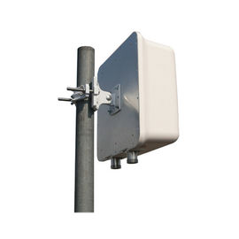China Wireless Outdoor Directional Antenna 698-2700MHz 8dBi Dual Polarization Panel Antenna factory